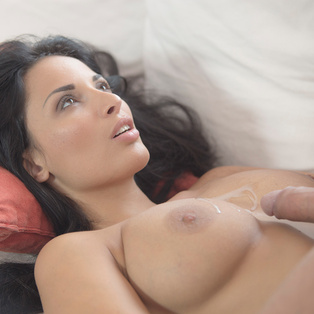 Beautiful Anissa Kate poses nude in porn pics