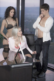 Hot babe Victoria Summers, Leanna Sweet in erotic picture