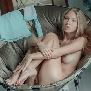 Naked babe Angelica in HD porn