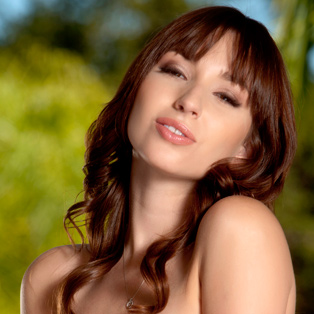 Naked babe Shay Laren in HD porn
