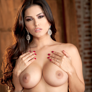Sunny Leone having hardcore sex