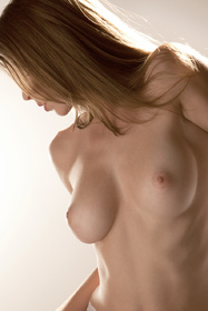 Perfect girl Amber Sym in erotica