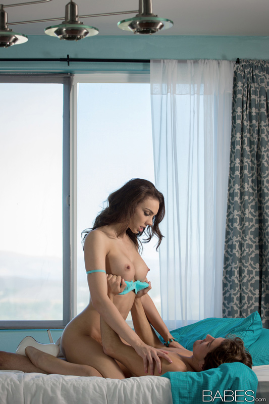 Nude Pics Of Tiffany Tyler In Heels < Teal - Babes.com big picture