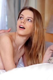 Perfect girl Bernice in erotica