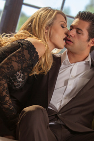 Hot babe Natalia Starr in erotic picture