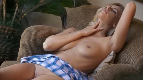 Babes.com perfect girl Alexa Johnson
